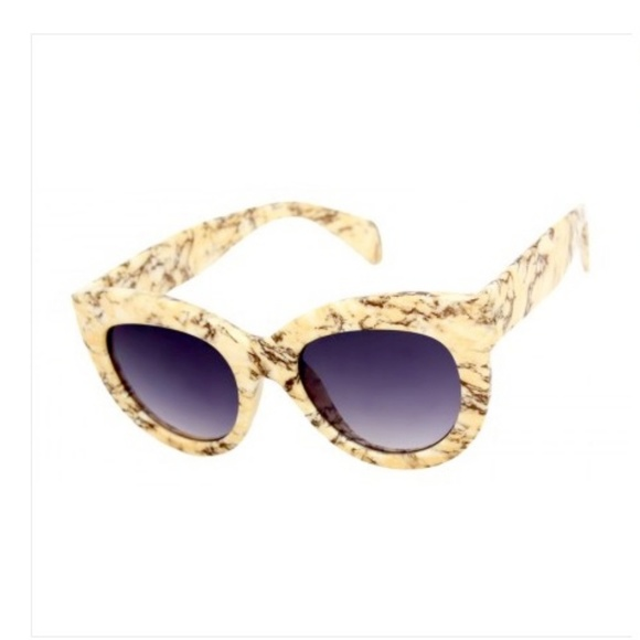 Accessories - THICK CAT EYE CREAM MARBLE SUNGLASSES NEW